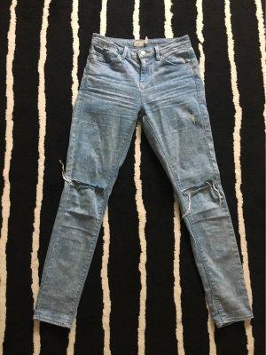 Topshop Jeans mit Löchern