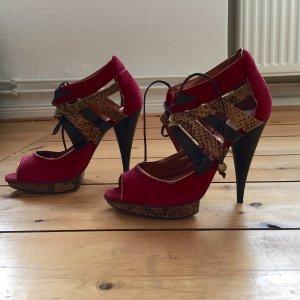 Topshop Killer Heels: Sandalen aus Wild- und Schlangenleder