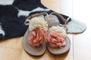 Topshop Sandalen mit Blumen