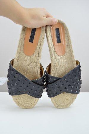 Topshop Sandalen mit Nieten schwarz Größe 40
