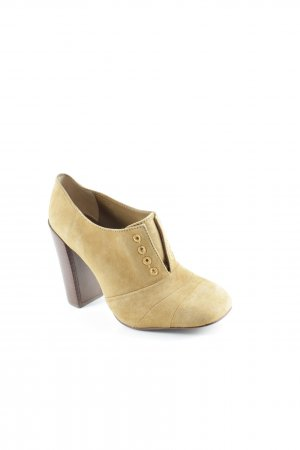 Tory Burch High Heels camel-braun Street-Fashion-Look