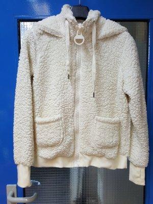 Total kuschelige Jacke in wollweiß