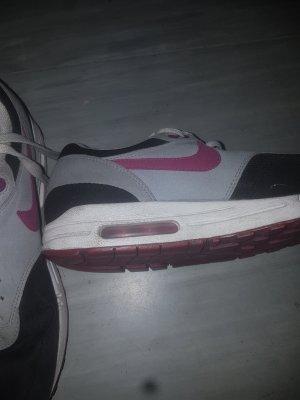 Total  trendige Nike Air Sneaker