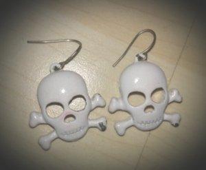 Totenkopf Ohrringe weiß, Halloween, Fasching, Gothic