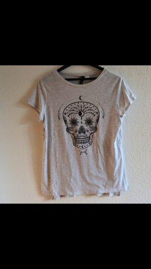 Totenkopf T-Shirt mit cut-out