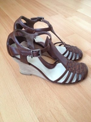 Strapped High-Heeled Sandals brown-beige