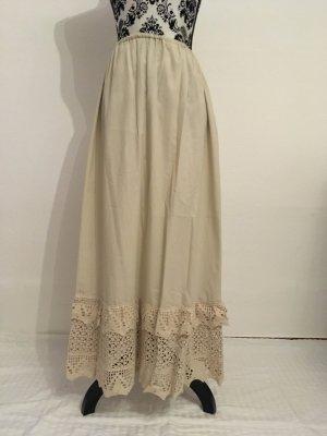 Traditional Skirt white
