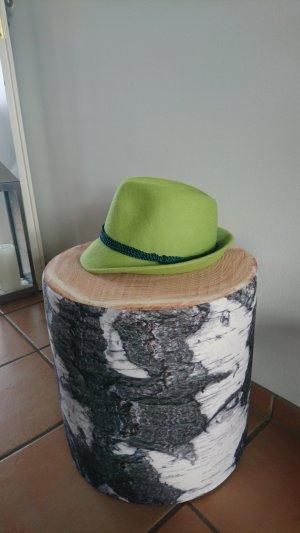 Cappello tradizionale verde prato