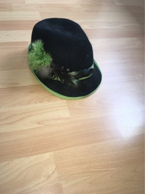 Traditional Hat black-green