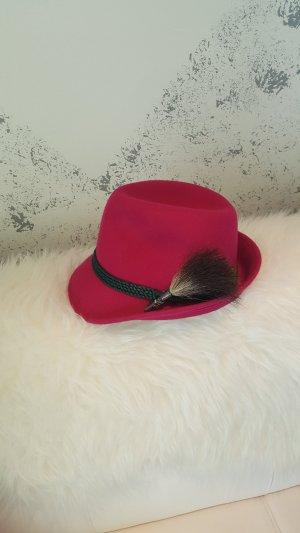 Traditional Hat violet