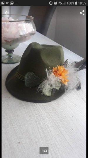 Cappello tradizionale verde oliva