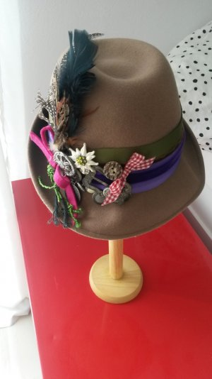 Traditional Hat multicolored wool