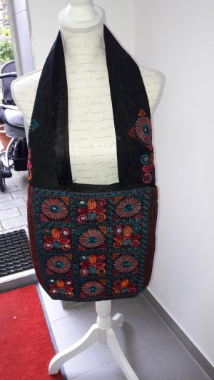 traditional tasche