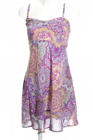Pinafore dress abstract pattern casual look