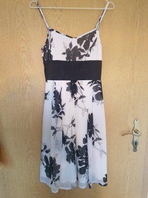 b.p.c. Bonprix Collection Pinafore dress white-black