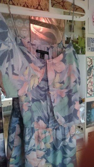 Trägerkleid mit floralen Mustern