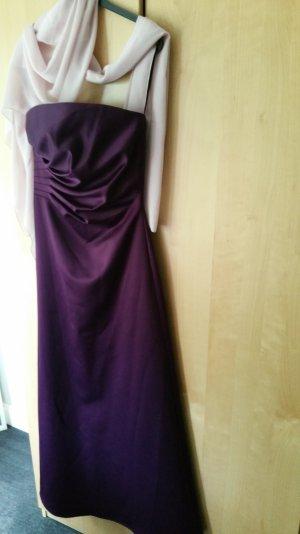 trägerloses Abendkleid in Lila mit rosa Schal