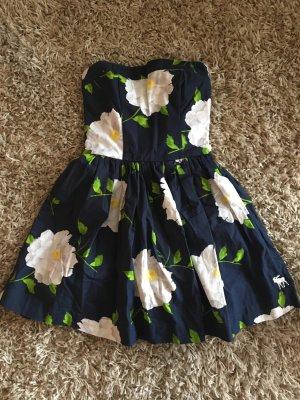 trägerloses Abercrombie Kleidchen
