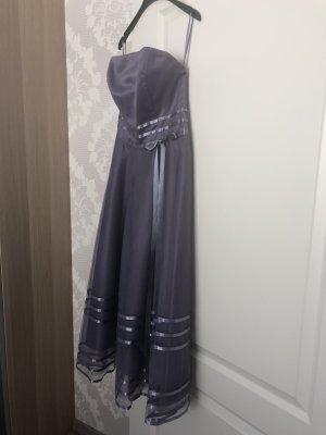 trägerloses Ballkleid - Hochzeitsgast