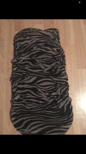 Trägerloses Chiffon-Kleid