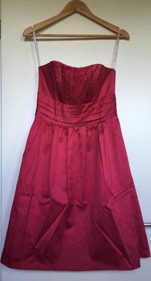 Trägerloses Cocktail-Kleid in fuchsia