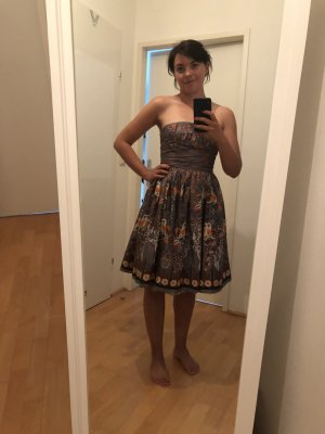 Trägerloses Kleid für Hochzeiten etc