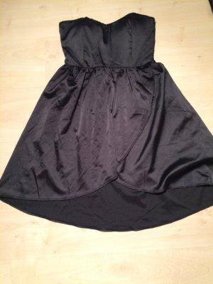 Trägerloses Kleid in schwarz