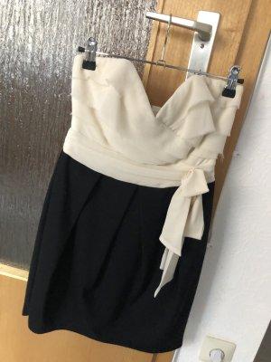 Trägerloses Kleid Lipsy