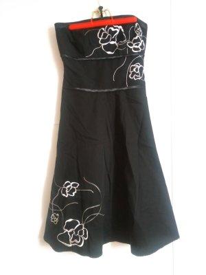 Zero Off-The-Shoulder Dress black-white