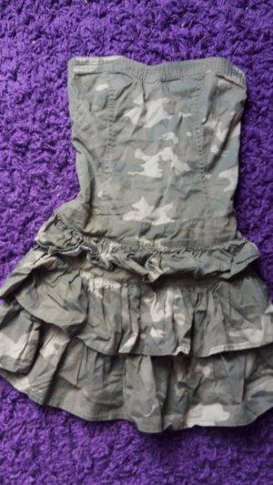 Trägerloses Kleid von Jennifer Taylor