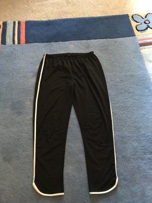 Trainingshose M/L schwarz - weißer Seitenstreifen - weißer Saum - selten getragen