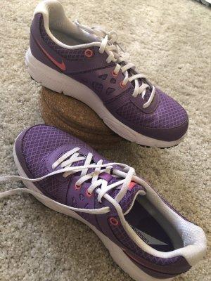 Trainingsschuhe Nike