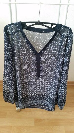 Transparente Bluse mit schönem Muster