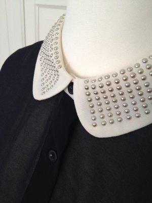Transparente Bluse mit verziertem Kragen