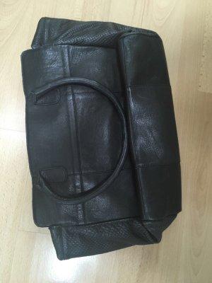 trapezförmige Cox Handtasche in Schwarz/Silber