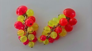 Earclip brick red-neon yellow synthetic material