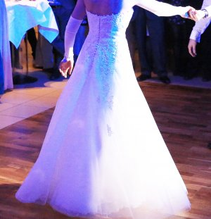 Traum-Hochzeitskleid Jadira von La Sposa Gr. 36 Ivory mit Spitze