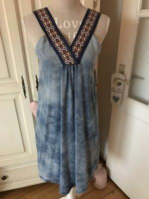 Traum Kleid von Hugo Boss Orange ,Batik Look ,Jeansblau mit Stickerei 229€ neu