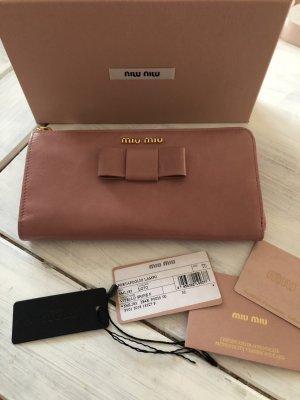63a1a18c4aa44 Traumhaft schöne Leder Geldbörse von Prada Miu Miu Rosa mit Schleife