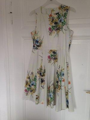 Traumhaft schönes Blumenkleid von closet (Größe 42)