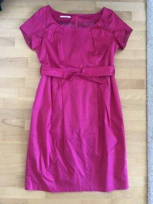 Traumhaft schönes Kleid mit Gürtel in pink/ magenta, WIE NEU