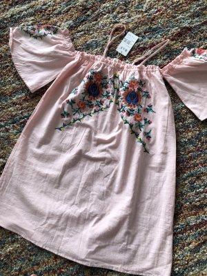 Traumhaft schönes Sommerkleid Off Shoulder Stickereien