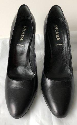 Traumhafte High Heels, Gr. 38,5, schwarz, von Prada, Neuwertig