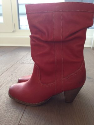 traumhafte rote Lederstiefel
