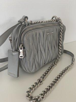 Miu Miu Bolso gris claro