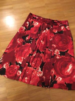 Traumhafter Seidenrock mit Rosenmuster