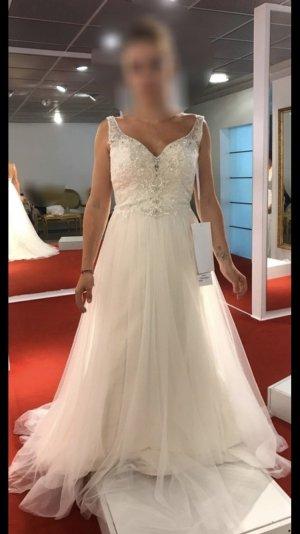 Vestido de novia nude-crema