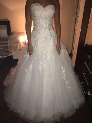 traumhaftes Brautkleid in weiss-Neu&ungetragen