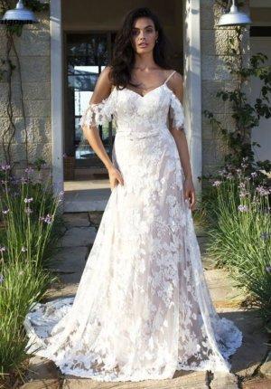 Traumhaftes Brautkleid mit Schleppe Gr. 36 NEU!