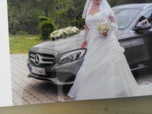Traumhaftes Brautkleid mit Zubehör gr 44 rein weiß